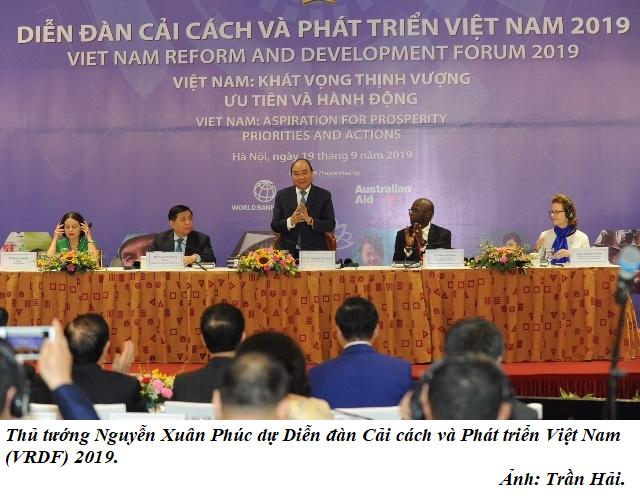 Nguyen Xuan Phuc tham du dien dan Cai cach va Phat trien Viet Nam.png